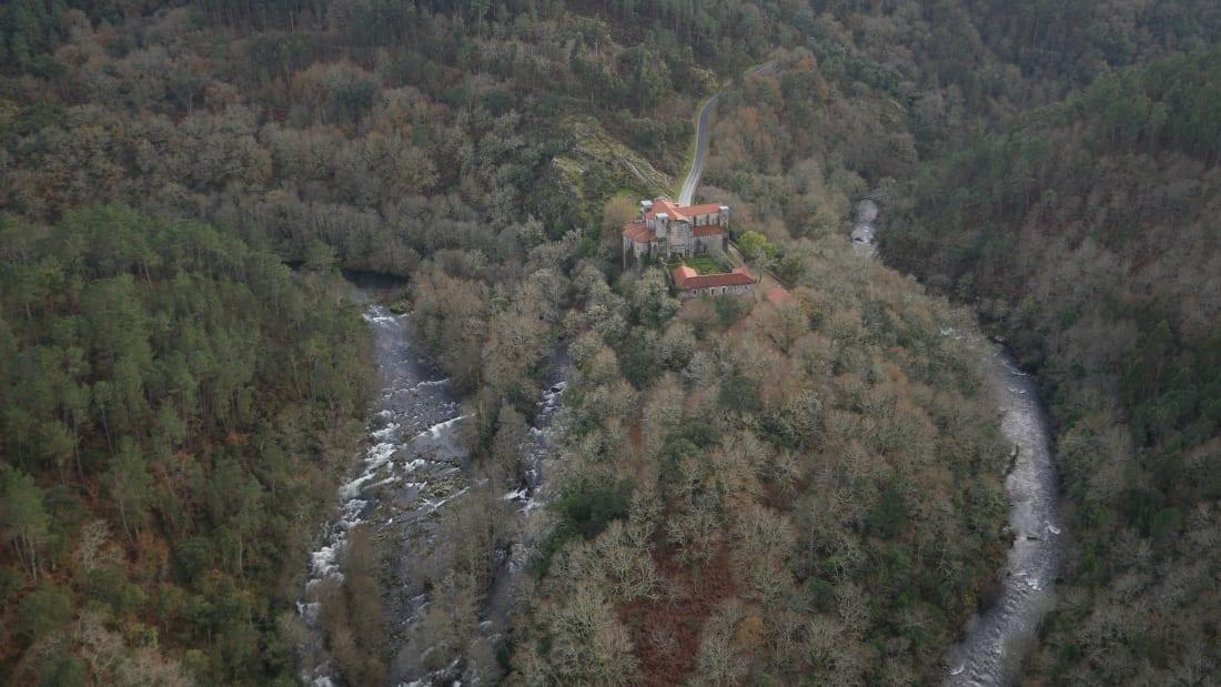 Monasterio de Carboeiro a vista de dron Aerocamaras