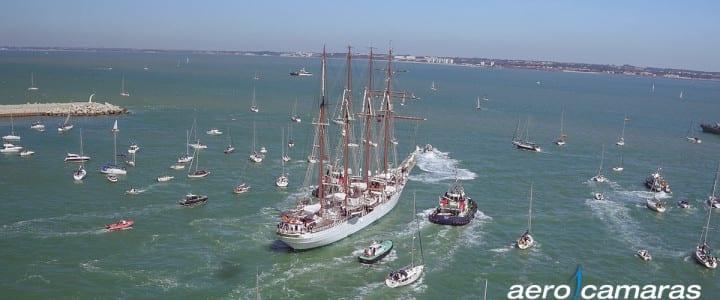 Juan Sebastián Elcano salida de Cádiz a vista de drone