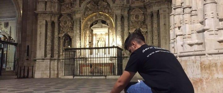 El interior de la Catedral de Salamanca, una joya artística ante los drones de Aerocamaras