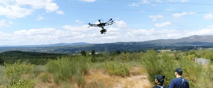 Aerocamaras, primera en inspeccionar líneas eléctricas con tres sensores equipados en drones