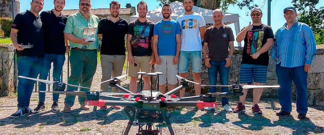 Foto de grupo del Curso de Inspecciones Técnicas con Drones de Aerocamaras