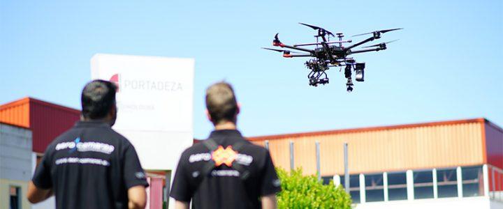 Drones para pintar edificios, aviones, barcos y más
